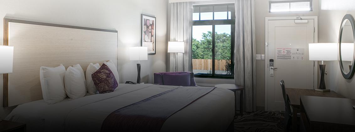 Hotel Siri Downtown guestroom