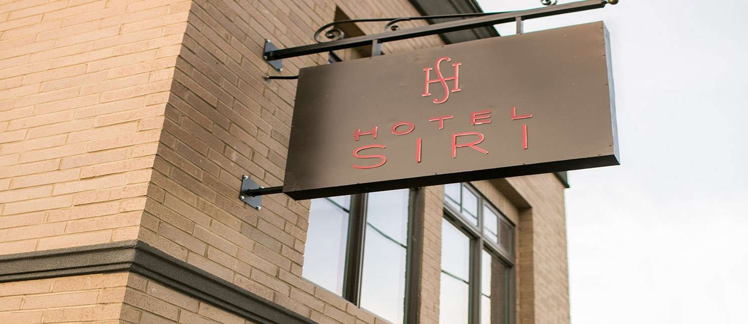 ENJOY THE SERVICES AND LIFESTYLE AMENITIES THAT HOTEL SIRI DOWNTOWN PROVIDES